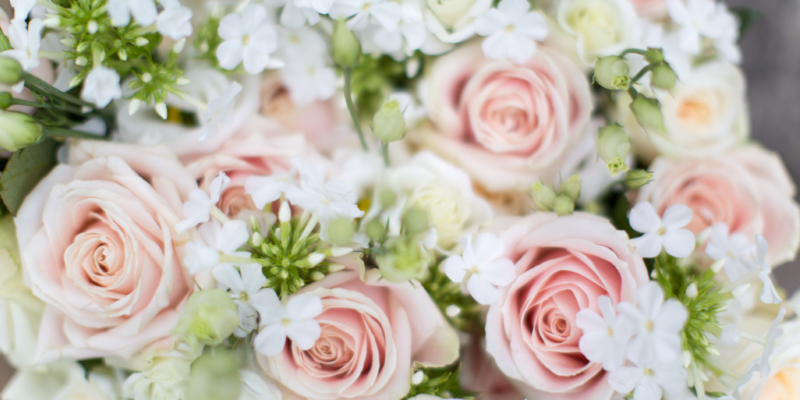 Three wedding flowers and their unexpected meanings