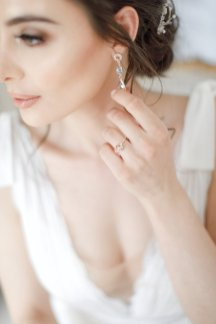 Three beautiful bridal styles for short hair