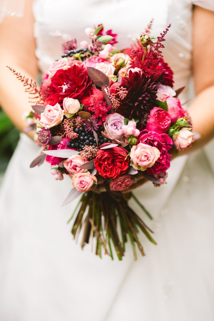 Image describe a wedding bouquet