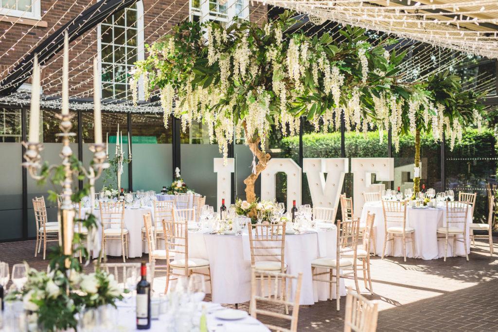 Image describes a wedding setting.