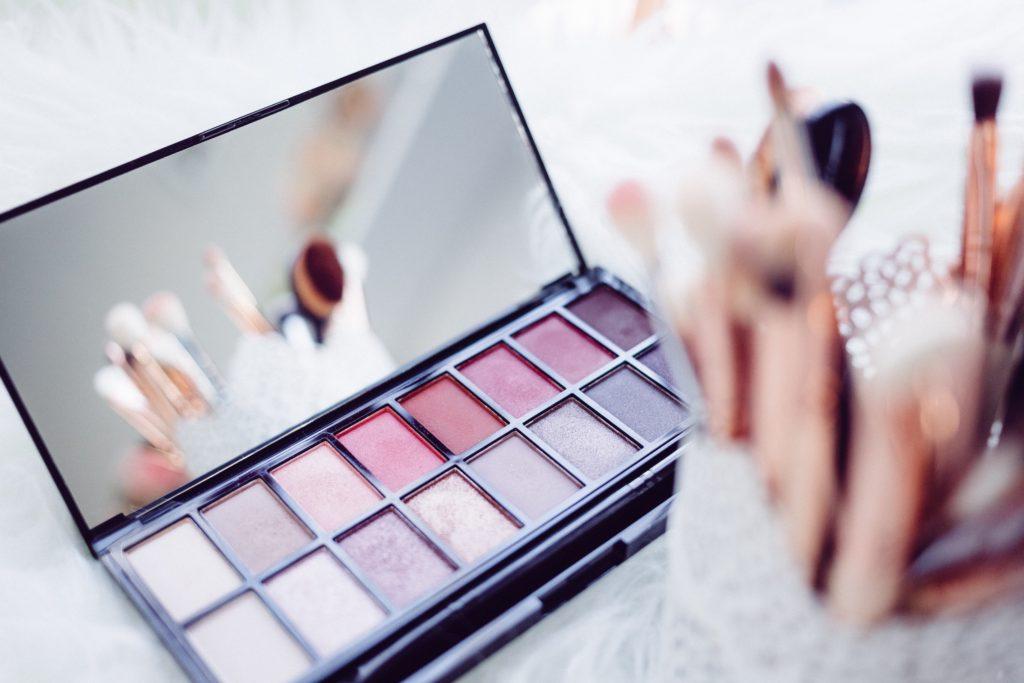 Image describes a make-up palette.